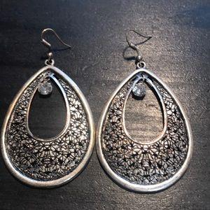Silvertone teardrop shape w/rhinestone earrings
